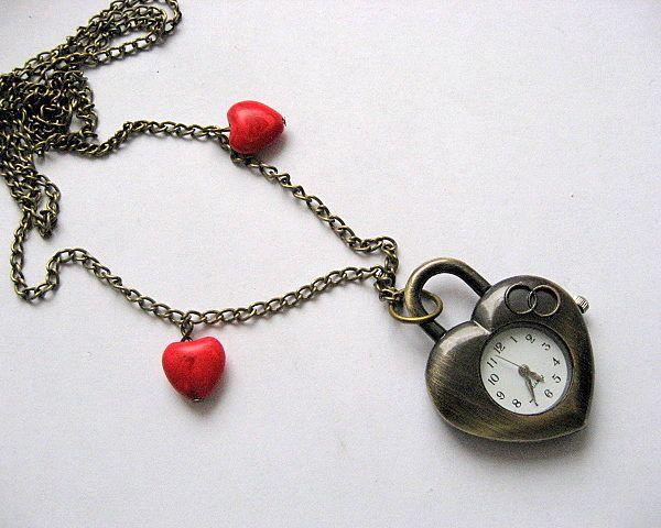 Pandantiv ceas bronz inima sub forma de lacat, inimioare howlit rosu - idei cadouri femei