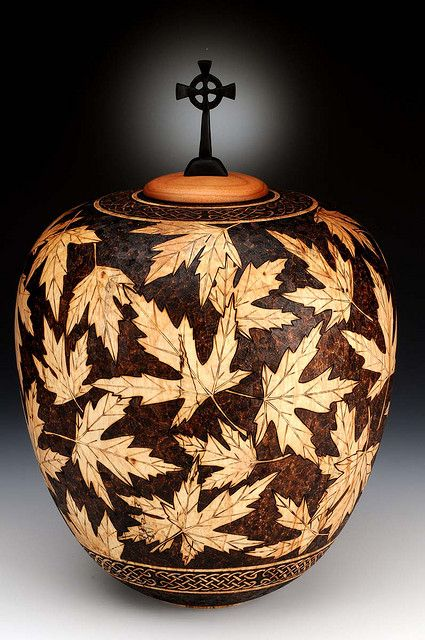 Cremation urn by Andi Wolfe, 2009. For a dear friend of mine.