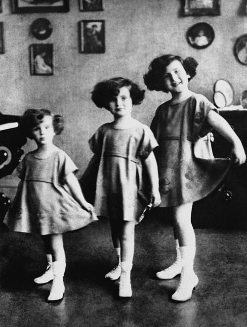 The Gabor Sisters: Eva, Zsa Zsa and Magda [1923] - The Gabor sisters are three famous Hungarian-American actresses/socialites, Magda (11 June 1915 – 6 June 1997), Zsa Zsa (born 6 February 1917), and Eva (11 February 1919 – 4 July 1995).