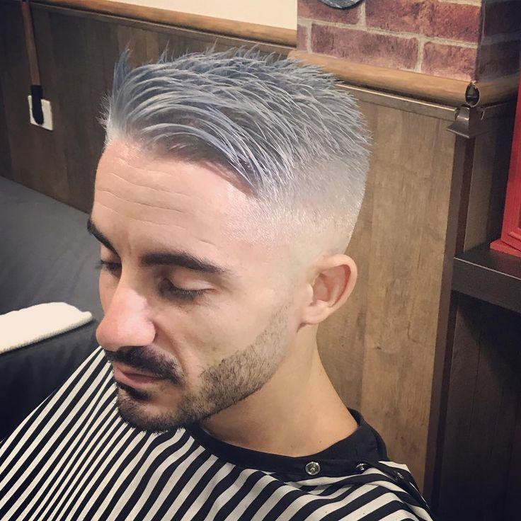 "83 Me gusta, 1 comentarios - Maikelsantos.oficial (@maikel.santos.barber) en Instagram: ""Gris plata azul 🔝💍 @barberosdecanarias @barbershopconnect @barberosdeespana #maikelsantos…"""