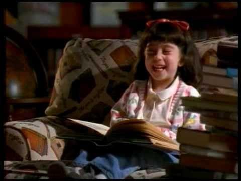 """Matilda (1966) / Danny DeVito.  Señora Phels: - """"Podrías tener tu propia tarjeta de biblioteca y podrías llevarte libros a tu casa"""""""