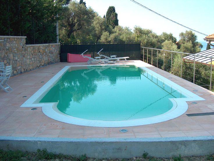 Oltre 25 fantastiche idee su piscina in cemento su for Piscina 9x4