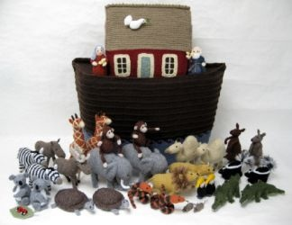 Knitted Noah's Ark @Valarie Pritchard - I would like my future child to have their Nona knit this for them. :): Knits Animal, Ark Knits, Alan Darts, Knits Patterns, Noah Ark, Knits Noah, 1St Birthday, Darts Noah, Knits Toys