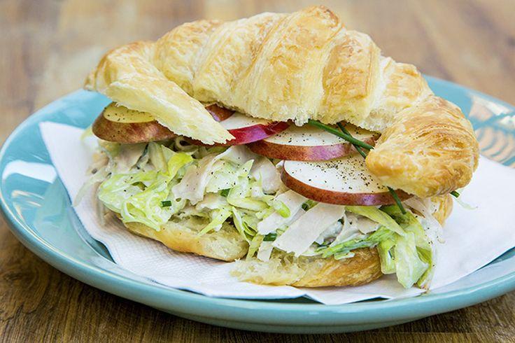 Croissant salade de dinde et poulet fumé au pomme #recettesduqc #lunch #sandwich