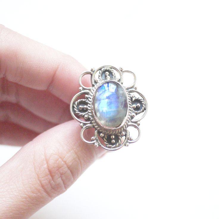 Rainbow Flower - Rainbow Moonstone 925 sterling silver ring