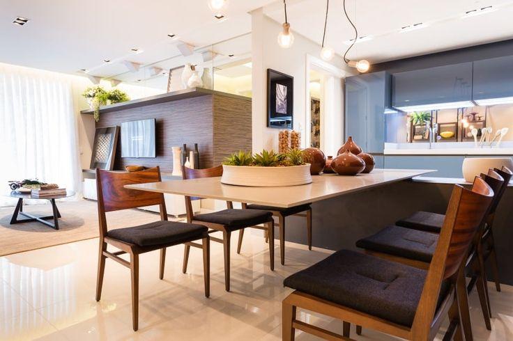Navegue por fotos de Salas de jantar ecléticas: APTO Dunguenhein. Veja fotos com as melhores ideias e inspirações para criar uma casa perfeita.