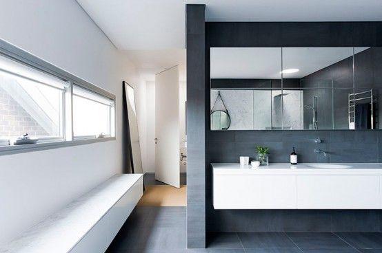 Refined Yet Minimalist Bathroom Design With Greenery
