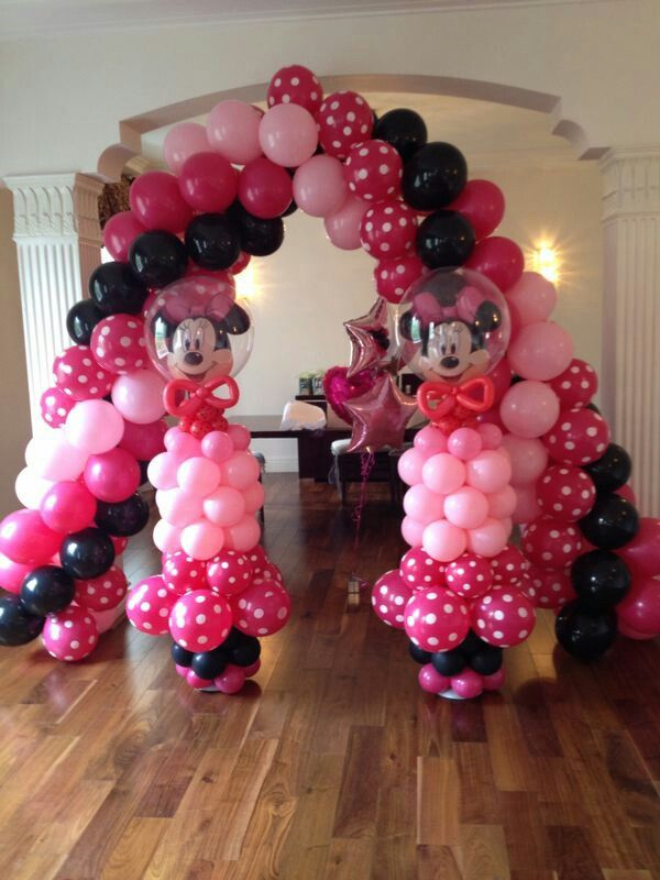 34 best images about minnie and mickey mouse party theme for Balloon decoration london