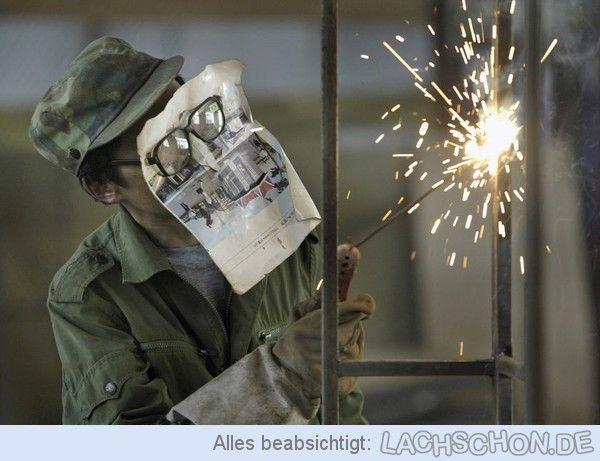 Kleiner Scherz am Rande: Arbeitsschutz - schweißerbrille,arbeitsschutz,schweißen,zeitung