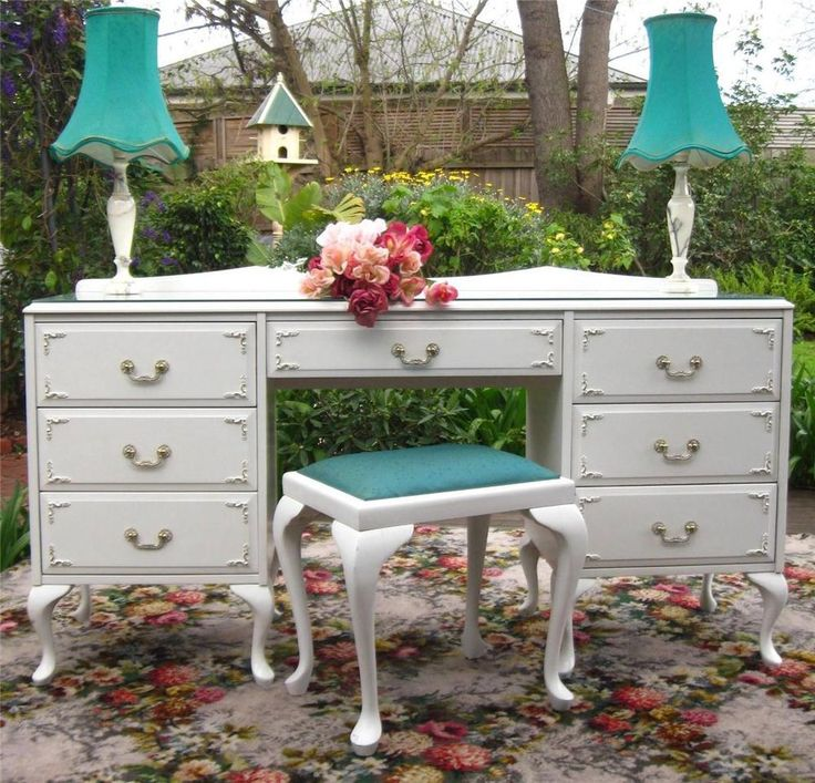 French provincial queen anne writing desk dressing table c for Queen anne bedroom suite