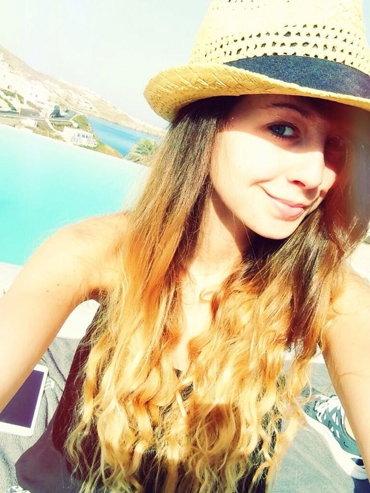 30 Day YouTube Challenge Day 28- Most attractive female Youtuber...Zoe ...