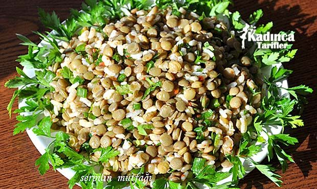 Yeşil Mercimek Salatası Tarifi nasıl yapılır? Yeşil Mercimek Salatası Tarifi'nin malzemeleri, resimli anlatımı ve yapılışı için tıklayın. Yazar: Serpil'in Mutfağı