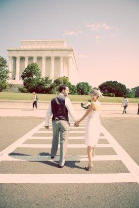 Cute Photo Idea For A Court House Wedding