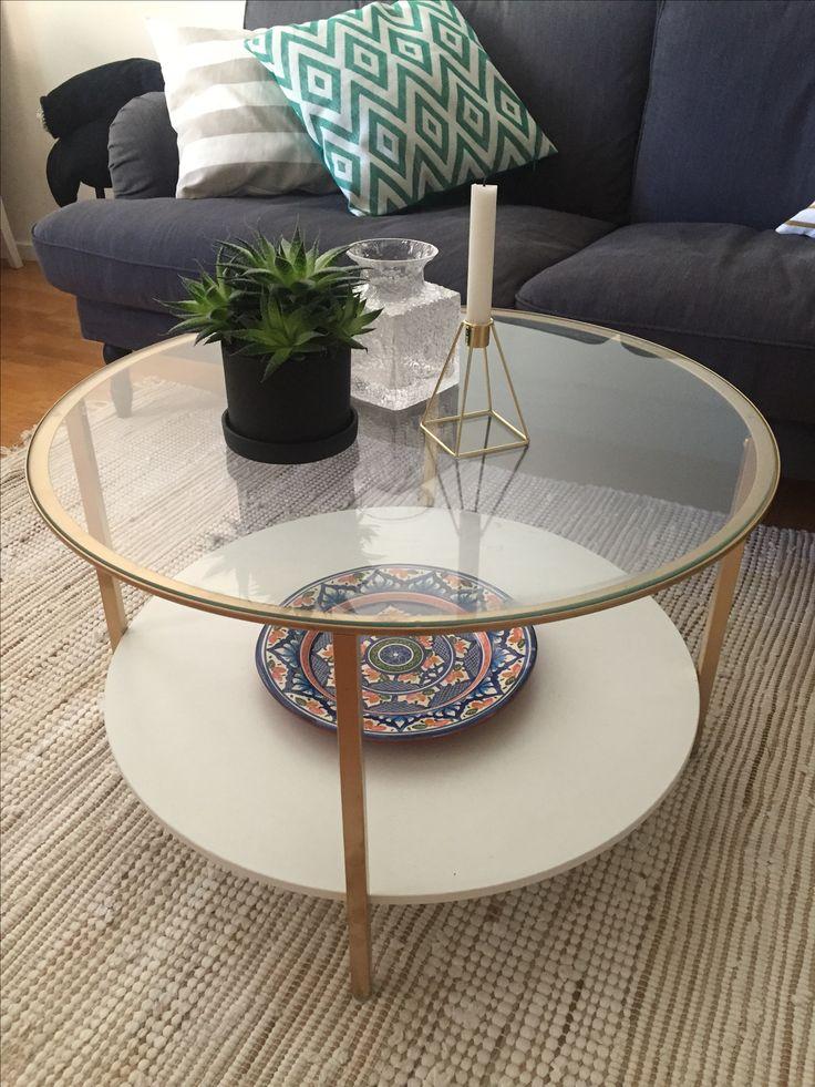 IKEA hack DIY. Jag sprayade stommen guldig på IKEA-bordet Vittsjö och det blev en enorm skillnad! Ett exklusivt soffbord för drygt 600:-