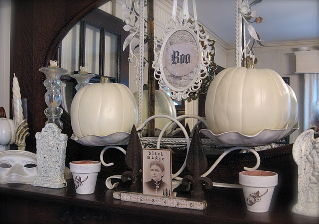 Pretty fall display (from Petite Michelle Louise)