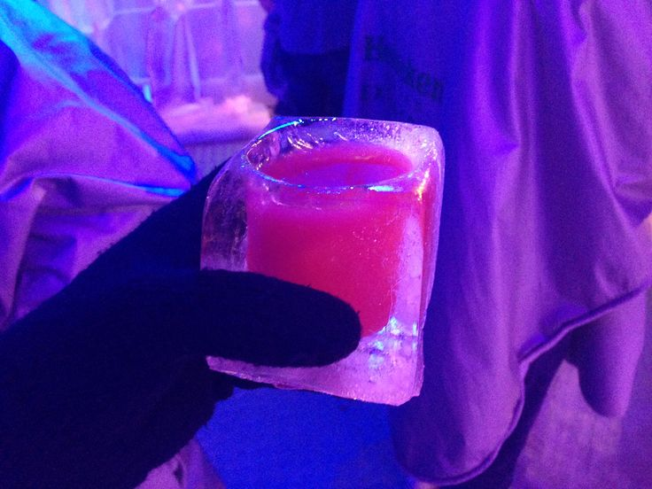 Iced Party in Prague, Fun with friends, Citytrip, Weekend, ...