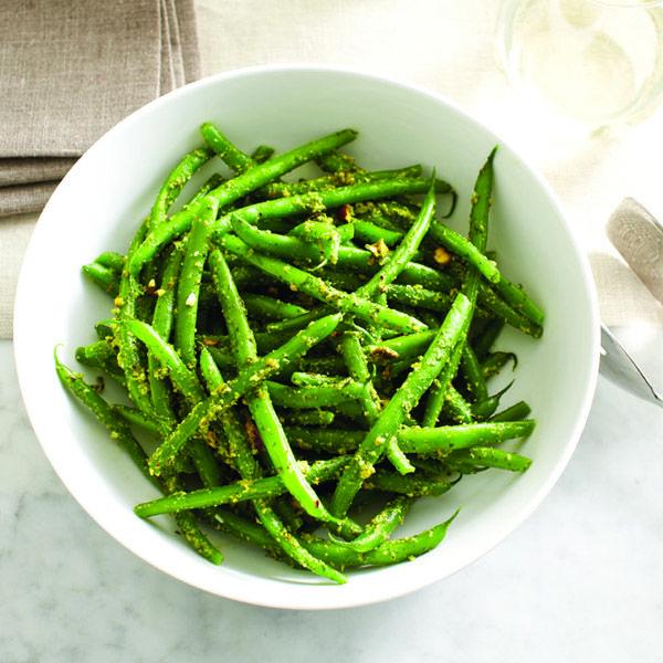 Nigella Lawson's green beans with pistachio pesto recipe