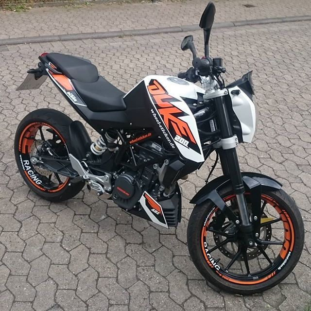 Pin By Matija Maiti On Ktm Duke Ktm Duke Ktm Ktm Duke 200