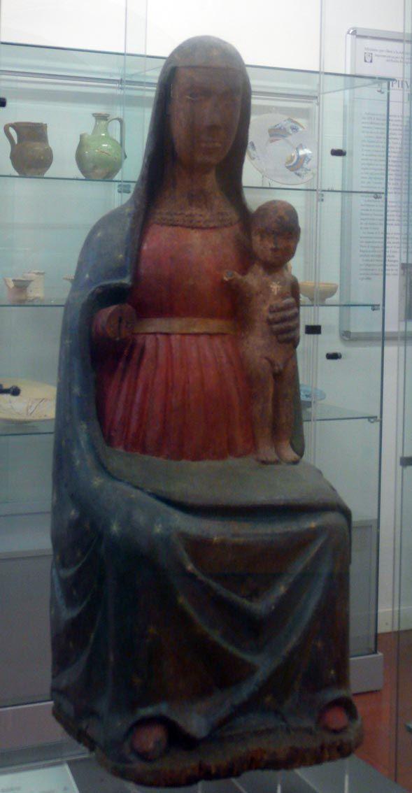 Madonna con Bambino/prima metà XIV sec/legno policromo, h 99 cm