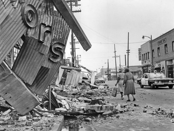 The aftermath of the Watts Riots, August 1965. Photo: Los Angeles Times Staff Photographer. Copyright 2005, Los Angeles Times. Reprinted with Permission.