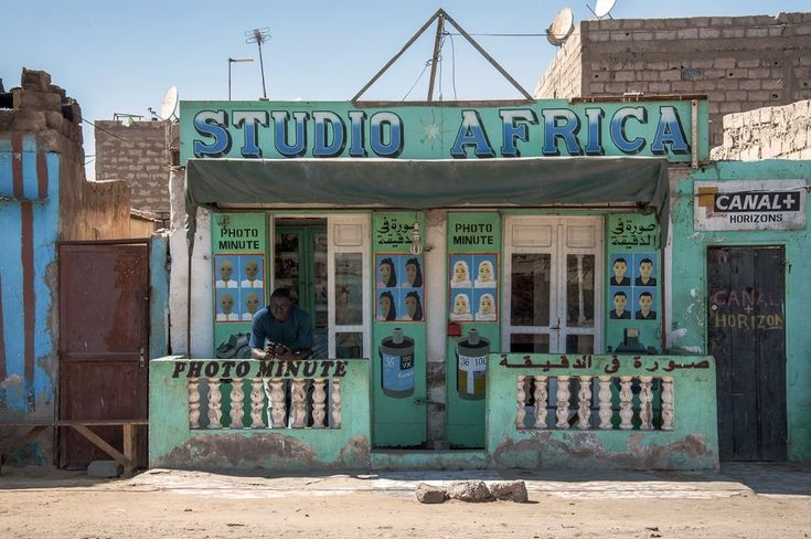"""Studio Africa"", owned by Check Niang, in Nouakchott, Mauritania. © Adrien Tache"