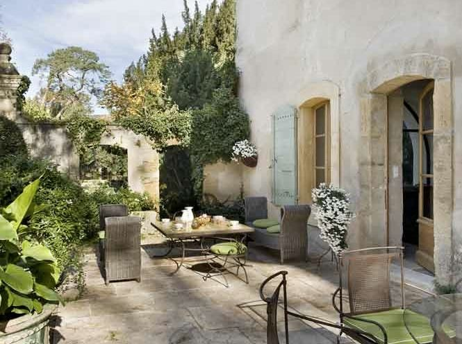 The Flagstone Garden Walls Vines Stucco House Window