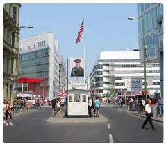 Berlin - Checkpoint Charlie: Checkpoint Charli, Irons Curtains, Favorite Places, Charli Visit, Berlin Wall, Places Visit, Berlin Germany, Berlin Brat, Charli Berlin