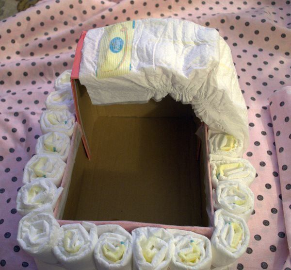 DIY Bassinet Diaper Cake Tutorial
