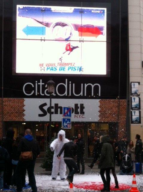 Notre yéti, l'abominable homme des neiges... mais le notre il est gentil, il vous fait gagner des séjours au ski !