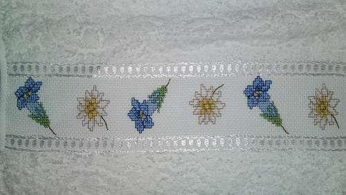 Asciugamano piccolo a punto croce - stelle alpine e genziane