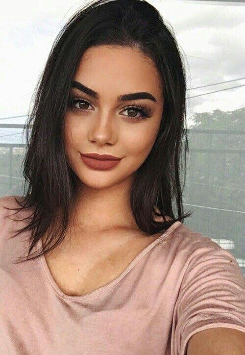 Isabella Fiori @isabella_fiori / beautiful girl / beautiful woman / brunette / face / makeup / makeup inspiration