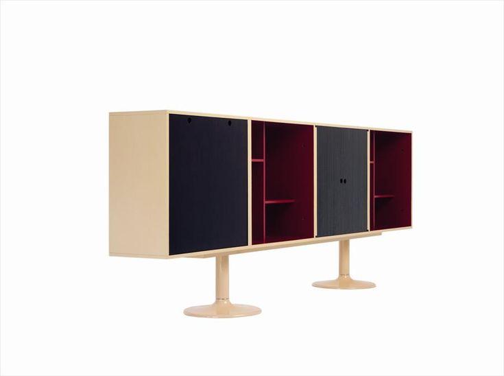 """#excll #дизайнинтерьера #решения Модельная система, """"Casiers Standart"""", представленный в Павильоне l'Esprit Nouveau в 1925 дизайнерами Le Corbusier и Pierre Jeaneret."""