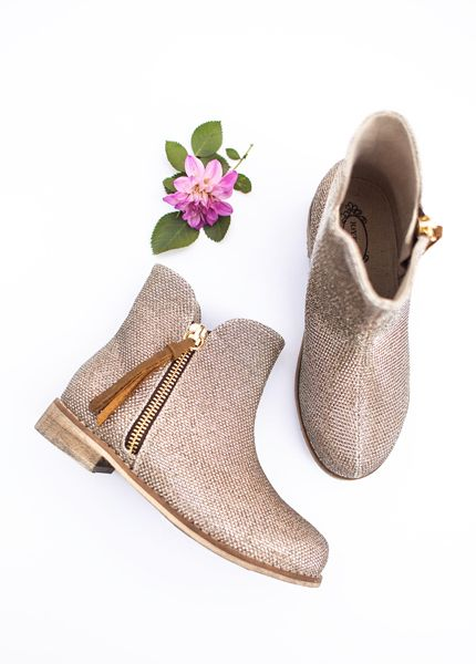 We are completely obsessed with thes little girl shoes <3 <3 Joyfolie Kaitlin Booties in Gold