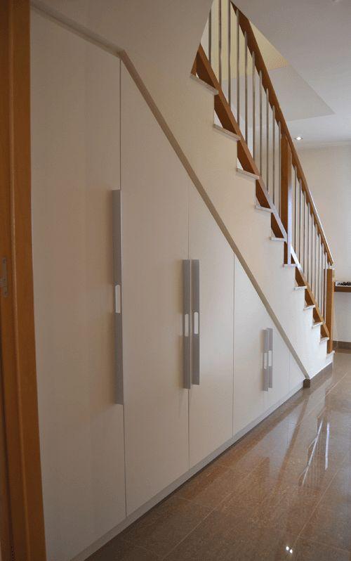 Resultado de imagen de interior armarios escalera