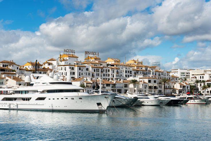 Porto De Puerto Jose Banus Em Marbella, Espanha - Baixe conteúdos de Alta Qualidade entre mais de 65 Milhões de Fotos de Stock, Imagens e Vectores. Registe-se GRATUITAMENTE hoje. Imagem: 79331902