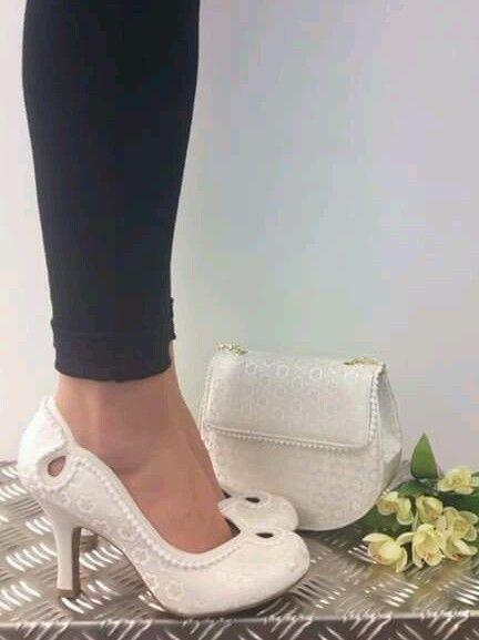 LADIES Ruby Shoo Miley  Cream Mid Heel Court Shoe BN size 7
