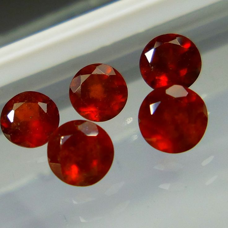 Calebrited Size 5 MM Natural Hessonite Red Garnet Round Cut Shape 5 Pieces Lot #Unbranded