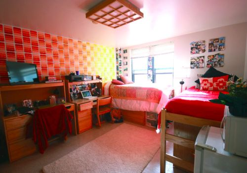 Dorm room wallpaper college life 101 the college for Cool college bedrooms