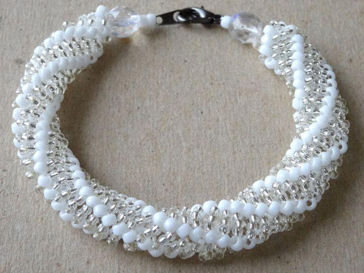 Top Oltre 25 fantastiche idee su Braccialetti di perline fatti a mano  DN75