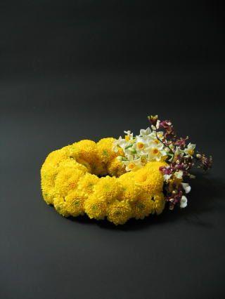 flower arrangement by Hirama Mario, Japan