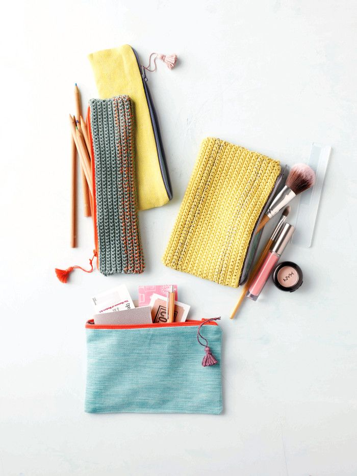 Free Crochet Pouch pattern from FlaxandTwine.com | Find supplies online at…
