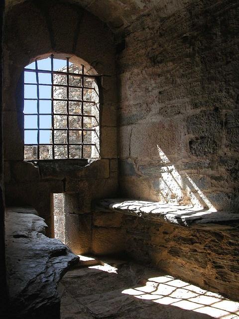 Castillo de los templarios, Ponferrada by Arnaldo Gutiérrez