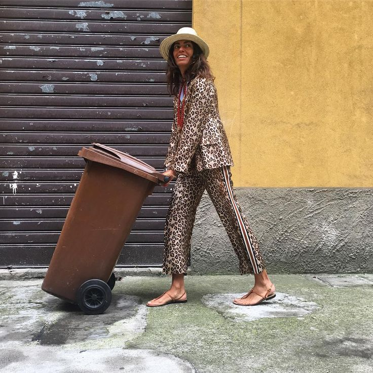 """357 Gostos, 3 Comentários - Viviana Volpicella (@vivianavolpicella) no Instagram: """"Really last working days. @angelabiani #albertobiani #holidaysneeded #lastcrazydays…"""""""
