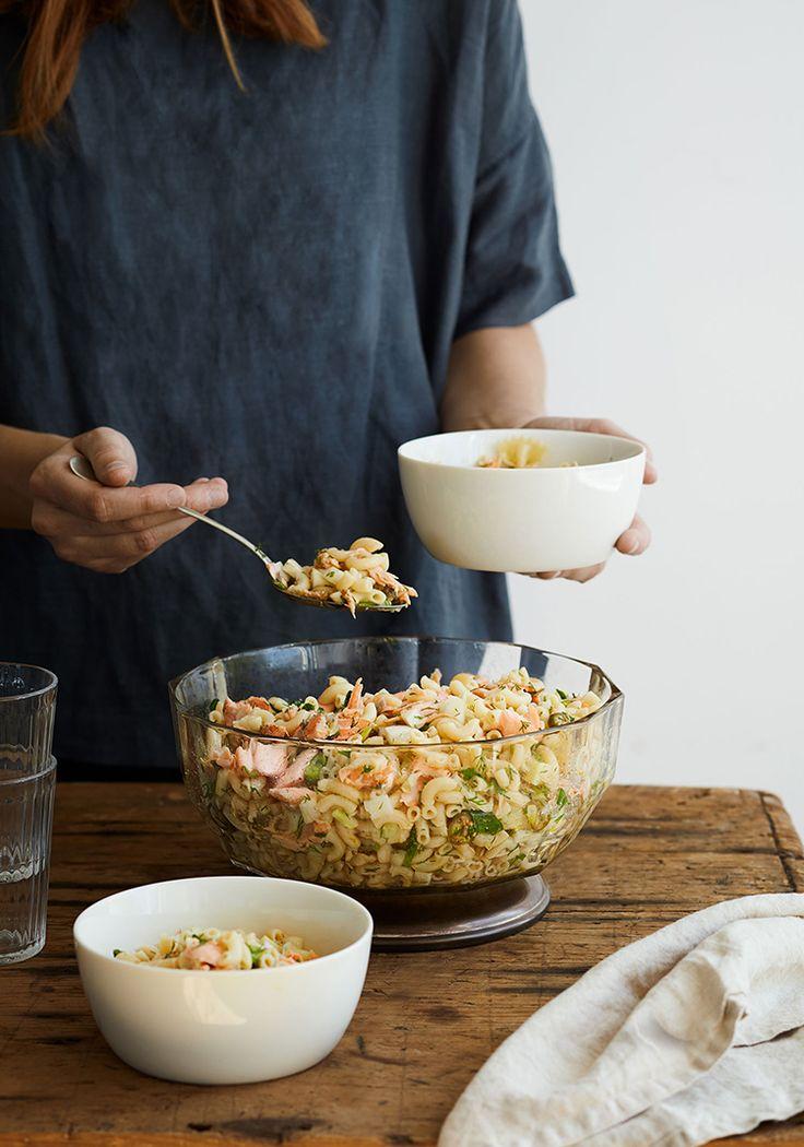 Une salade de macaroni classique, mais avec une variante rafraîchissante : du saumon.