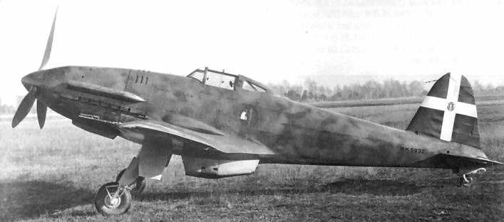 [CV-F4] -The Caproni Vizzola F.4 was an Italian fighter aircraft prototype designed and built in 1939. It was a single-seat fighter.In the summer of 1939, Italy received its first Daimler-Benz DB 601A- 876 kW (1,175 hp) from Germany after 12 aircraft No further F.4s were ordered, and a proposal to build a production model powered by an Alfa Romeo-built DB 601A as the F.5bis was dropped in favor of pursuing development of the more advanced Caproni Vizzola F.6M