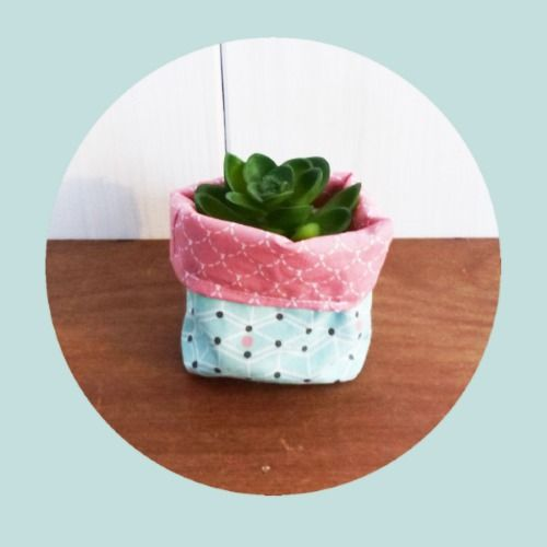 mini cache pot tissu 8 cm pour mini plante mini cactus tissus rose cailles et vert p le. Black Bedroom Furniture Sets. Home Design Ideas