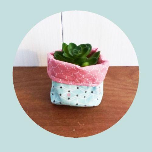mini cache pot tissu 8 cm pour mini plante mini cactus tissus rose cailles et vert p le. Black Bedroom Furniture Sets. Home Design Ideas