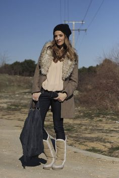 """Silvia autora del blog """"Laddy Addict"""" espectacular con nuestras botas MOU."""