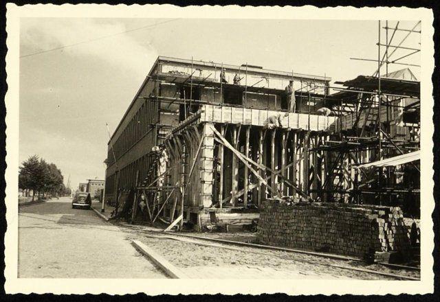 1950: Bouwwerkzaamheden nieuwbouw kantoor Backer en Rueb
