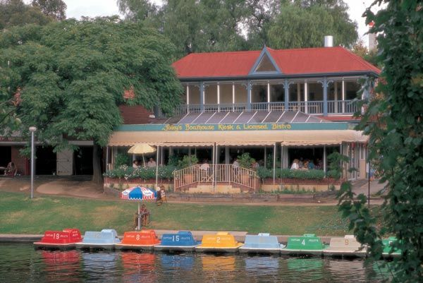 paddle boats and lunch at jolleys boathouse - perfect spring date in Adelaide, South Australia